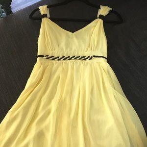 Dresses & Skirts - Yellow chiffon dress